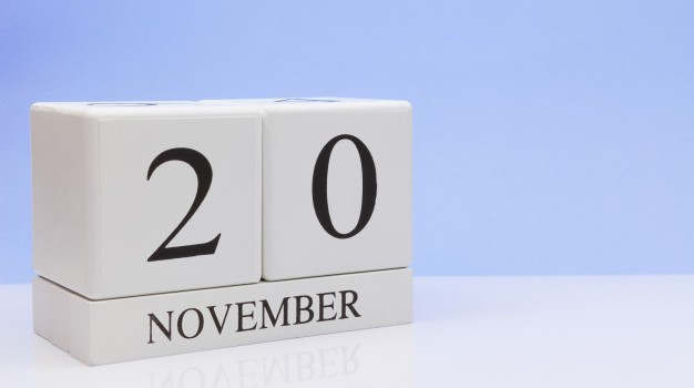 november-20st-day-20-month-daily-calendar-white-table-with-reflection_73102-614